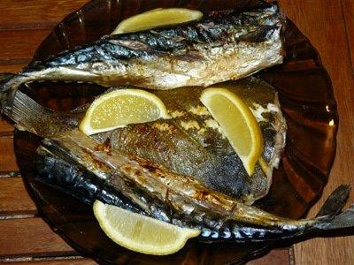 рыба, запеченная на решетке