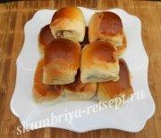 Пирожки из слоеного теста со скумбрией и рисом