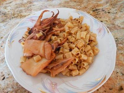 кальмары с макаронами