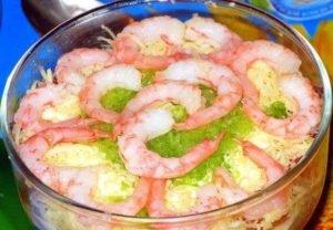 salat-s-krabovyim-myasom-i-krevetkami