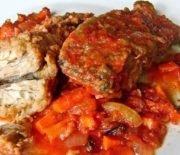 Скумбрия, тушеная в томатном соусе