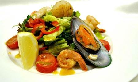 салат с мидиями простой и вкусный