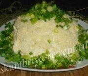 Салат с кукурузой, сыром и  крабовыми палочками
