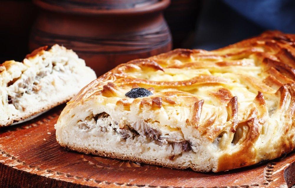 пирог с рыбой и яйцом