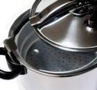 Как быстро и вкусно приготовить консервы из скумбрии в скороварке и не только